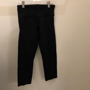Lululemon black crop legging, sz 4, 71438